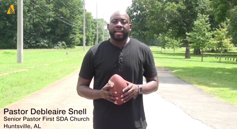Pastori dell'Alabama solidali con il giocatore che si è inginocchiato durante l'inno nazionale